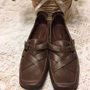 Naturalizer Leather shoes size 7